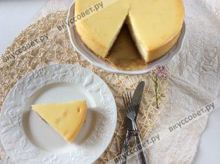 Изумительный торт готов, очень советую вам попробовать этот рецепт, так как проще и вкуснее чизкейка я никогда не пробовала