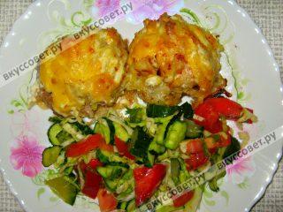 Пока ` стожки ` запекаются , приготовьте салатик , ну или , что Вы наметили )