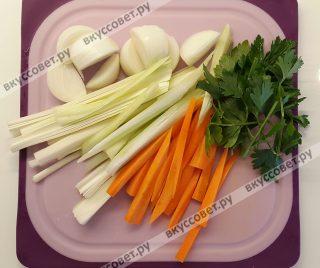 Овощи вымыть, порезать