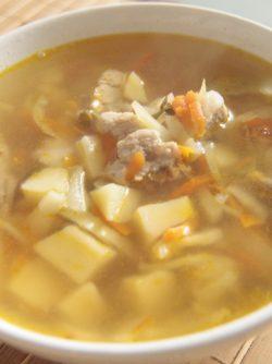 Щи из капусты: Щи - капустный русский национальный суп. Главное в щах- это их кислый вкус, из-за кислой капусты, например,...