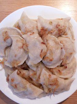 Вареники с капустой и картошкой: В детстве моя бабушка готовила нам очень вкусные вареники с начинкой из кислой капусты и картошки. Сочетание...