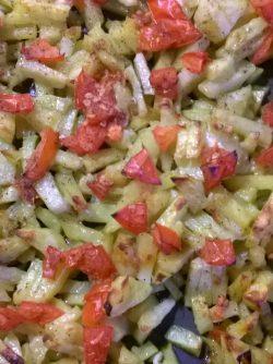 Картофель запеченный под овощами в духовке: Возможности приготовления блюд в современном мире практически безграничны, и мы порой забываем об элементарном...