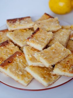Лимонный бабушкин пирог: Этот пирог сразу перешел у меня в лучшие рецепты моей кулинарной книге. Сам пирог постоянно готовит...