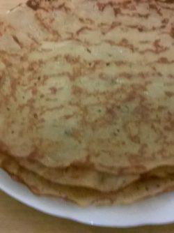 Блины на яблочном уксусе: Вариантов как печь блины - на молоке, кефире или просто на воде - много. Попробуем испечь блины на домашнем...