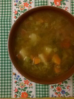 Щавелевый суп постный: Приготовить легкий супчик быстренько! - это как раз он - зеленый щавелевый. Если есть заготовленный летом...
