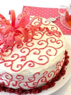 Торт `Красный бархат`: Торт `Красный бархат` - это торт, которым вы удивите гостей. Это, несомненно, праздничный торт. Яркий,...