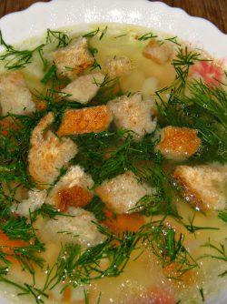 Суп с цветной капустой: В холодильнике остался куриный бульон и приличный кусок мяса . Решила сварить супчик из того что обнаружила...