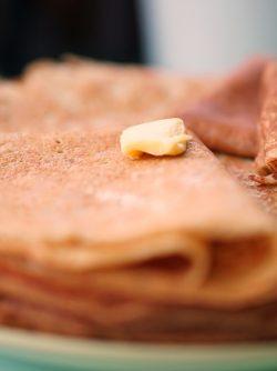 Блины кружевные (заварные): С широкой Масленицей! Время печь блины))) Предлагаю рецепт блинчиков, которые пеку уже несколько лет,...