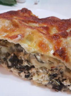 Домашняя лазанья: Очень люблю итальянскую лазанью - слой теста, начинка, сыр, соус бешамель, что может быть вкуснее. Сегодня...