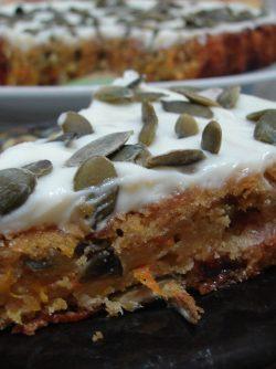 Морковно-яблочный пирог: Пирогам нет начала и конца, когда сделал один пирог, тянешься за рецептом другого и так по кругу:) пироги...