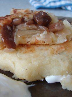 Картофельные зразы с грибами: Блюдо литовской, украинской и белорусской кухни. В основном под зразами понимается котлета или мясной...