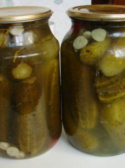 Консервированные соленые огурцы: Этот рецепт, из поколения в поколение, передается в нашей семье и охраняется от посторонних глаз, но...