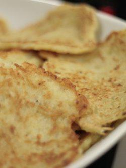 Драники, картофельные оладушки: Драники являются элементом белорусской кухни. Многие пытались присвоить себе это достижение, но, все-таки,...