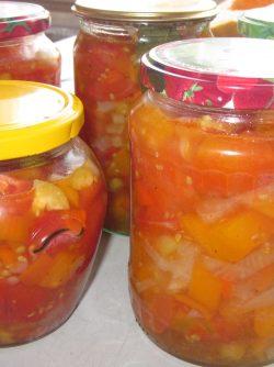 Ленивый салат из помидоров на зиму: Предлагаю приготовить салат на зиму, который можно будет использовать в качестве закуски, в качестве...