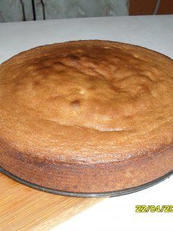 Бисквит: Я рада представить вам пошаговое приготовление бисквита. Рецепт очень простой!!! Добавляя в него разные...