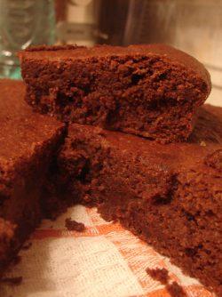 Шоколадный делис от Пьера Эрме: У меня появилась большая и интересная книга шоколада и лучших рецептов из него, автор рецептов Пьер Эрме...